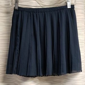 Abercrombie kids pleaded skirt 14